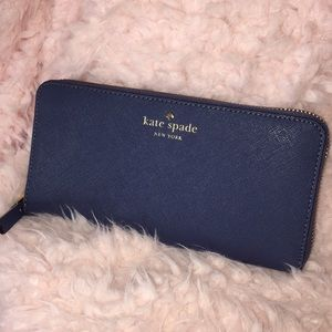 NWT Kate Spade Mikas Pond Lacey Dk Blue Jay Wallet